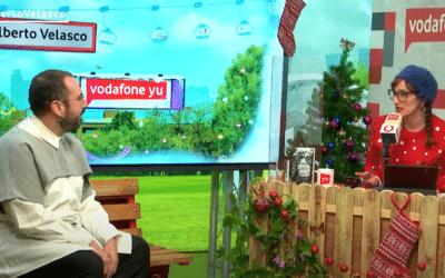 Vodafone YU: «Alberto Velasco se define como pobre, gordo y maricón pero se ha apropiado de esos términos para empoderarse. Esas palabras son el título del libro que viene a presentarnos»